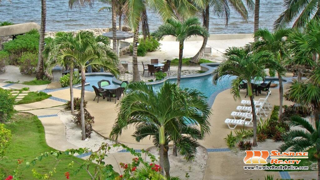 Bermuda beach grounds (12)