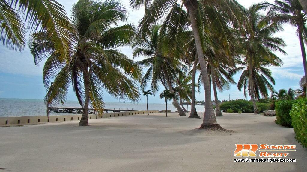 Bermuda beach grounds (8)