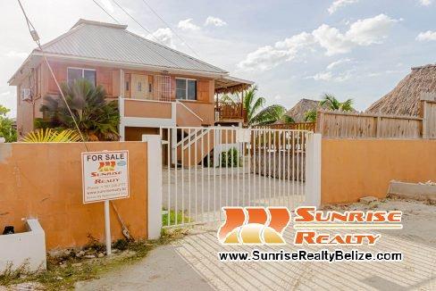 San Pedro Lagoon Home