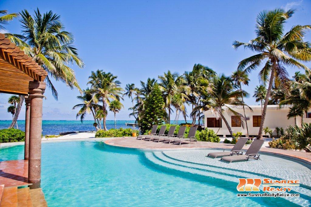 Villa Sand – Beachfront Villa at La Perla Del Caribe