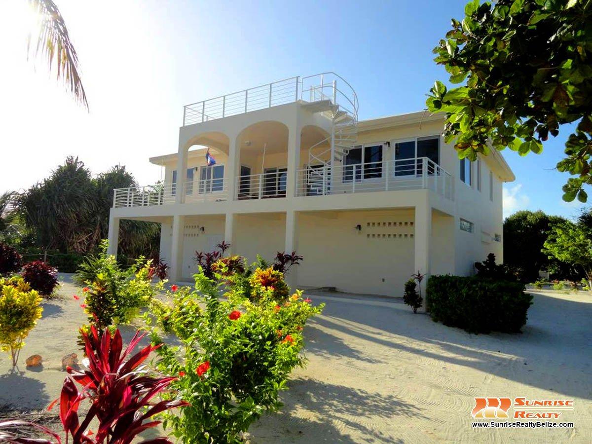 Tres Banderas Villa, Punta Arena