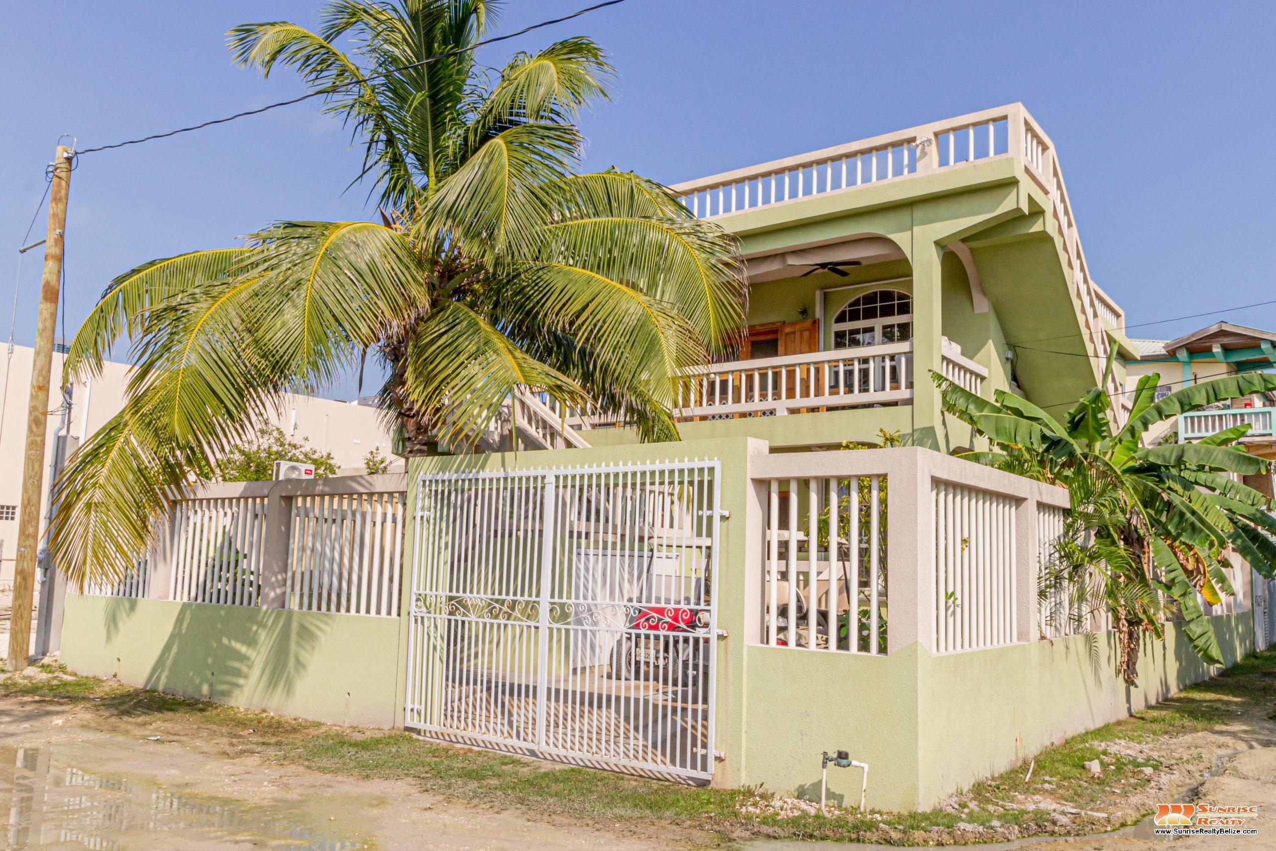 Riverfront Home in Boca Del Rio