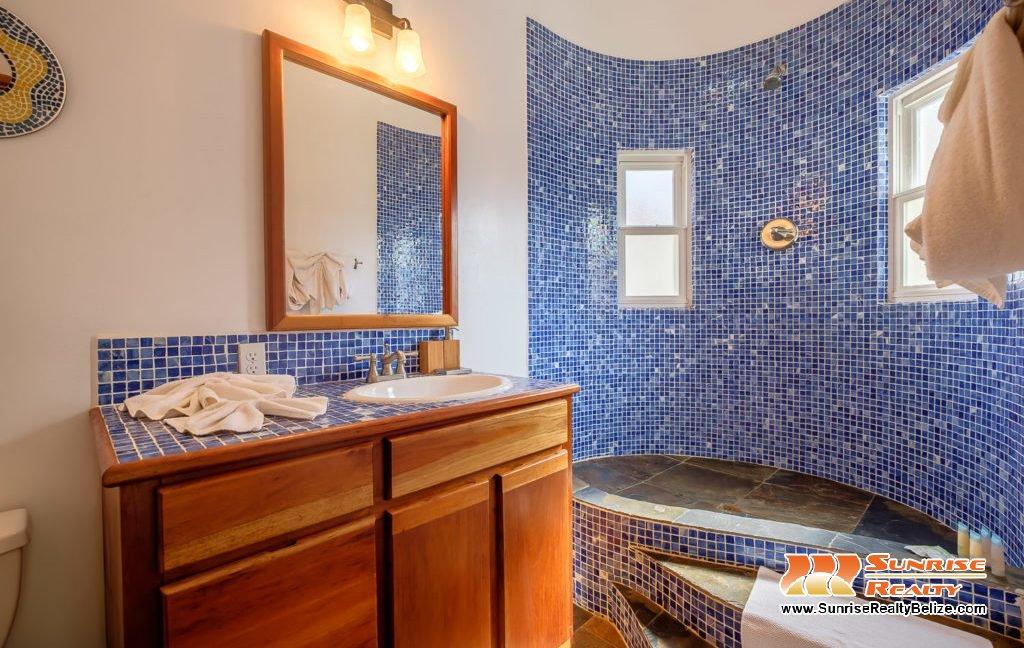 Solaria-Villa-I-Ambergris-Caye-Belize-Vacation-Villa-Fourth-Bath-1024x683