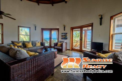 Solaria-Villa-I-Ambergris-Caye-Belize-Vacation-Villa-Living-Area-1024x683
