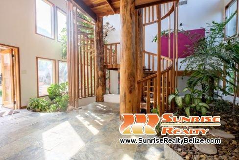 Solaria-Villa-I-Ambergris-Caye-Belize-Vacation-Villa-Main-Entrance-1024x683