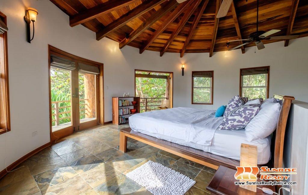 Solaria-Villa-I-Ambergris-Caye-Belize-Vacation-Villa-Second-Master-View-1024x683
