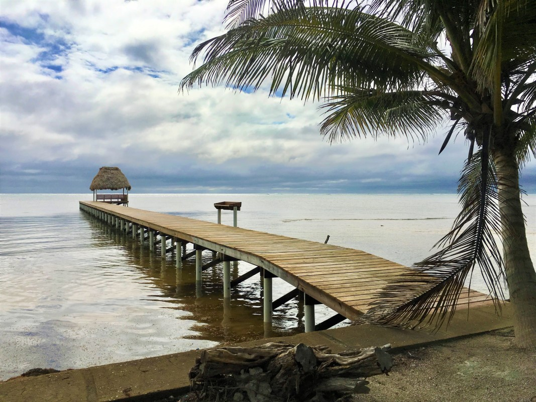 Tres Cocos Beachfront Lot with Pier