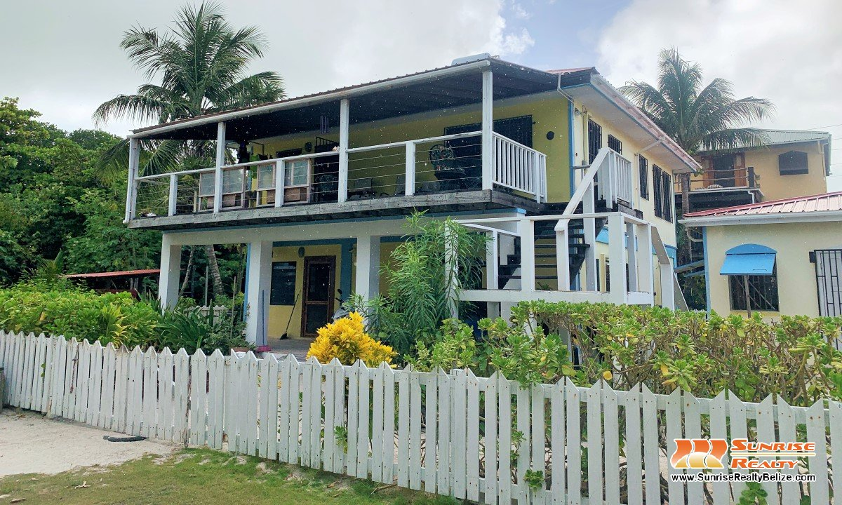 Seaview Home in Tres Cocos